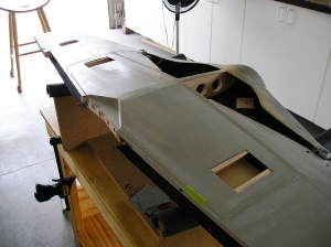 3 Ailerons, Flaps, & servo boxes must be cut from wing1